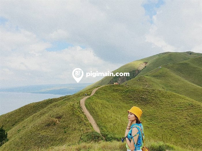 Bukit Holbung di Samosir