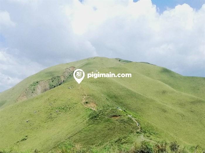 Wisata Bukit Holbung